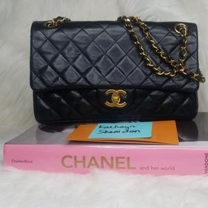 VINTAGE CHANEL BLACK LAMBSKIN MEDIUM DOUBLE FLAP